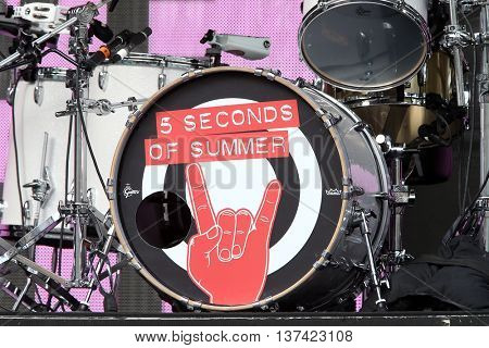 HOLLYWOOD, CA-OCT 24: 5 Seconds of Summer before CBS RADIOs third annual We Can Survive, presented by Chrysler, at the Hollywood Bowl on October 24, 2015 in Hollywood, California.