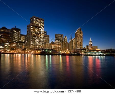 San Francisco Waterfront in der Nacht