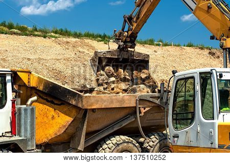 Heavy Duty Construction Vehicles, Moving Stones With Dumper Truc