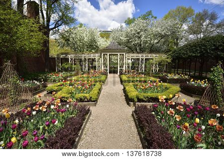 18th Century Garden on Walnut Street Philadelphia, PA
