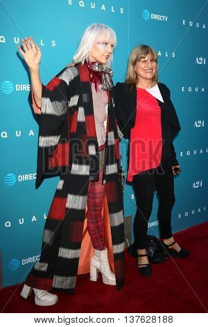 LOS ANGELES - JUL 7:  Kate Crash, Catherine Hardwicke at the Equals LA Premiere at the ArcLight Hollywood on July 7, 2016 in Los Angeles, CA
