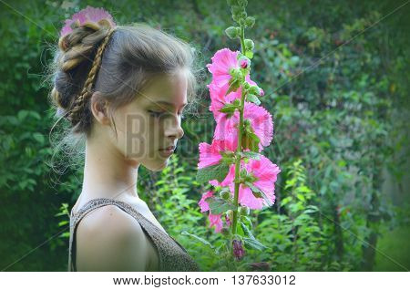Hairstyle with long hair - woman with mallow