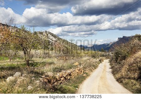 Way to La Caixa mountain from Beceite. Teruel Province