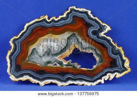A cross section of the agate stone with geode. Origin: Brazil.