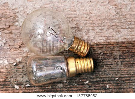 picture of a Old diusty small light bulb