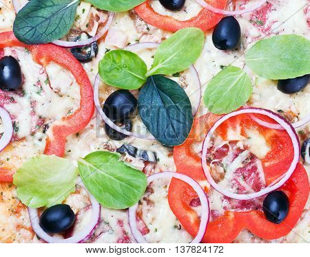 pepperoni pizza background with vegetables delicious background