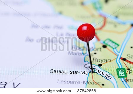 Saulac-sur-Mer pinned on a map of France