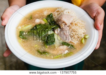 Thin Rice Noodles And Pork In Thick Gravy (rad Na).