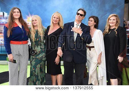LOS ANGELES - JUL 9:Dan Aykroyd, Donna Dixon, Belle Aykroyd, Stella Aykroyd, Danielle Aykroyd & Augusta Aykroyd arrives to