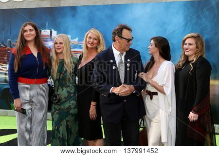 LOS ANGELES - JUL 9:  Donna Dixon, Dan Aykroyd, family at the Ghostbusters Premiere at the TCL Chinese Theater IMAX on July 9, 2016 in Los Angeles, CA