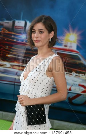 LOS ANGELES - JUL 9:  Lizzy Caplan at the Ghostbusters Premiere at the TCL Chinese Theater IMAX on July 9, 2016 in Los Angeles, CA