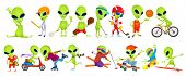 Постер, плакат: Set of green aliens wearing sport uniform and using sports equipment Aliens is playing hockey base