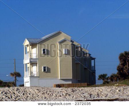 Dune Apartments