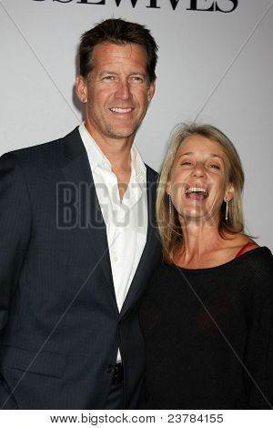 LOS ANGELES - SEPT 21:  James Denton, Erin O'Brien arriving at the