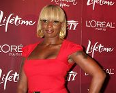 LOS ANGELES - SEPT 23:  Mary J. Blige arriving at the Variety's Power of Women Luncheon at Beverly W