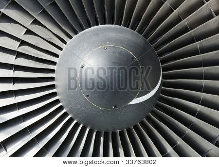 Single spiral on a large jet engine nose cone inlet