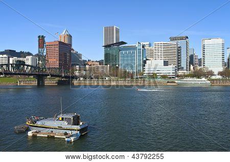 Portland Or. Skyline And River.