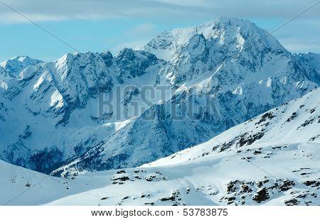 Morning Winter Ski Resort Molltaler Gletscher (austria).
