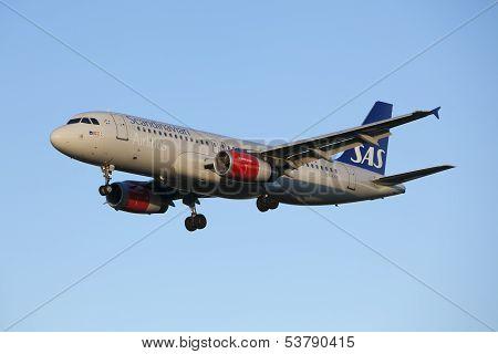 Scandinavian Airlines aircraft landing