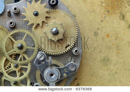 Antiguo mecanismo de reloj