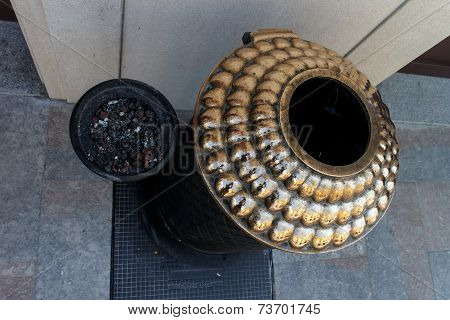 Big Golden Metalic Ashtray In Pot