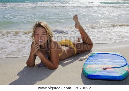 girl with boogieboard