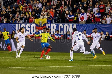 HARTFORD - OCTOBER 10:    Action on US International Friendly match between US Men`s National Team vs Ecuador, on October 10, 2014, in Rentschler Field stadium, Hartford, USA.