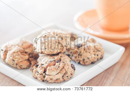 Closeup Healthy Cookies On White Plate With Coffee Cup