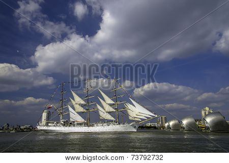 Parade of Ships: Dar MLodziezy