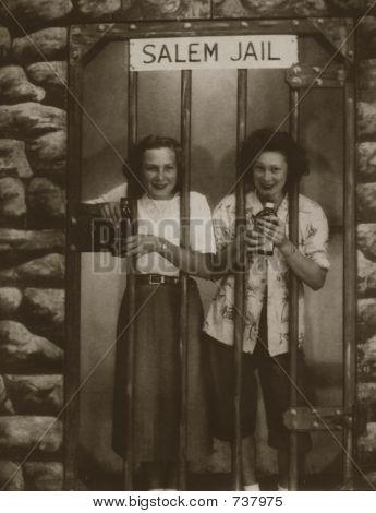 Vintage women in1945