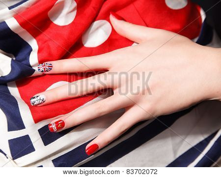 Special Painted Fashionable Nails