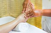Постер, плакат: Foot Massage Spa Foot Oil Treatment