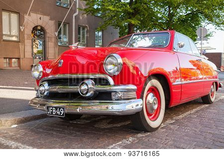 Ford Custom Deluxe Tudor 1951 Car
