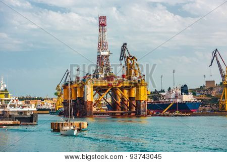 oil offshore platform in repair, Malta