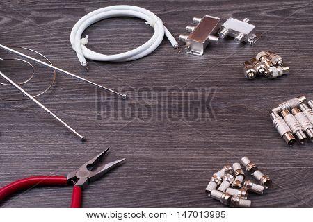 The Antenna Equipment, Plugs, Tools