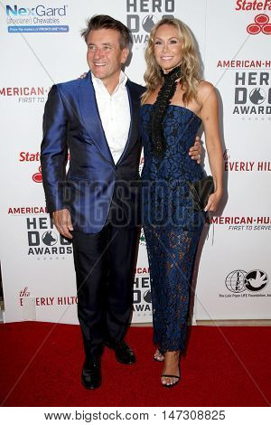 LOS ANGELES - SEP 10:  Robert Herjavec, Kym Johnson at the 2016 American Humane Hero Dog Awards at the Beverly Hilton Hotel on September 10, 2016 in Beverly Hills, CA