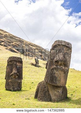 Double Moai Heads