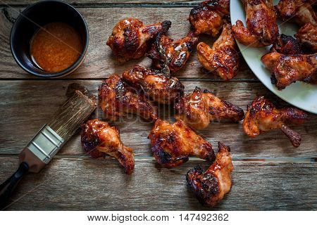 chicken wings with smoked bbq sauce for dip