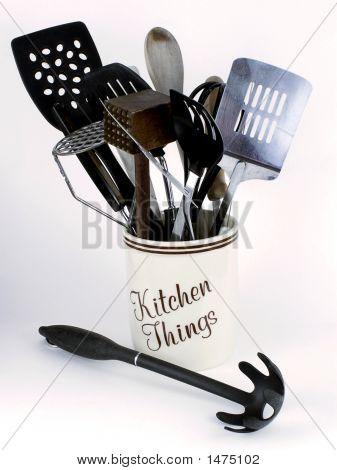 Kitchen Tools With Pasta Scoop