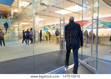 CHICAGO, IL - MARCH 24, 2016: entryway of Apple store. Apple Store is a chain of retail stores owned and operated by Apple Inc., dealing with computers and consumer electronics.