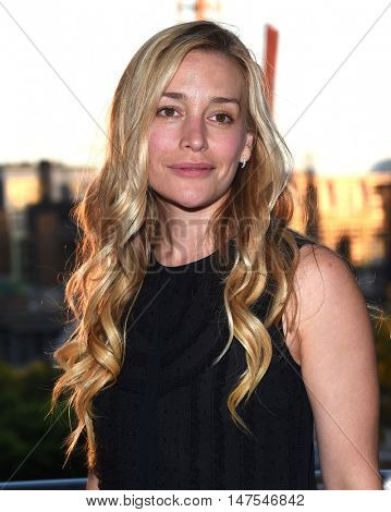 LOS ANGELES - SEP 10:  Piper Perabo arrives to the Celebration of Dance Gala 2016 on September 10, 2016 in Hollywood, CA