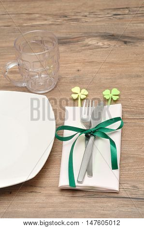 A simple table setting for St Patrick's day festivities
