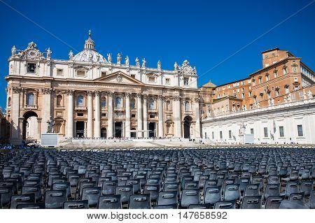 VATICAN CITY, VATICAN - September 13, 2016: St. Peter's Basilica (Basilica Papale di San Pietro in Vaticano)