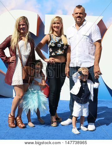 LOS ANGELES - SEP 17: Trista Liddell, Heidi Northcott, Guinevere Liddell, Chuck Liddell, Charles David Liddell Jr. at the