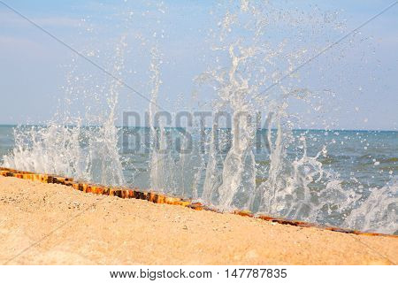 beautiful summer picture with splashing sea waves