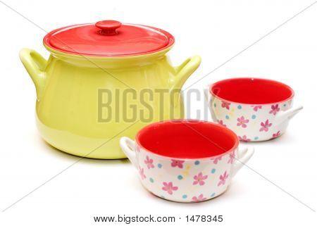 Colourfull Suppe Terrine und Tassen