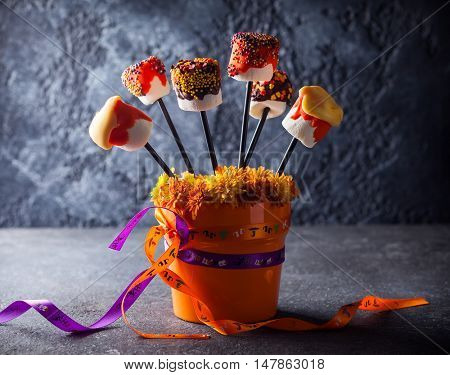 Dipped Marshmallow Pops for Halloween