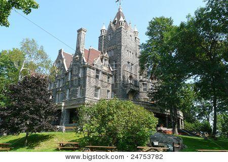Boldt Castle attraction home tour