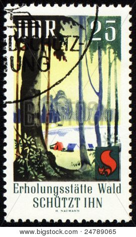 Selo post dedicado à proteção da floresta