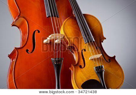 Music Cello in the dark room
